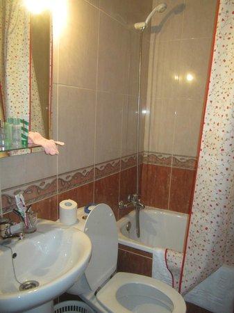Pensión Cartagenera: Ванная комната в номере