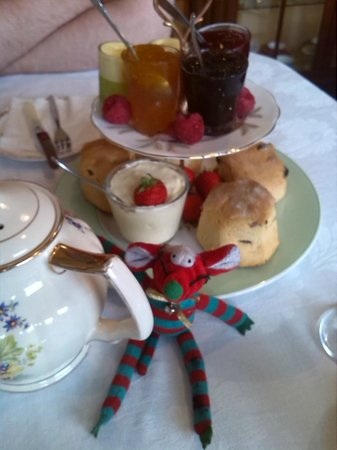 Cupcakes For You & West End Vintage: 'Wee Guy' mascot enjoying his cream tea!