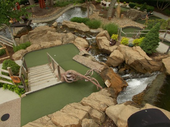 Ripley's Davy Crockett Mini Golf: Another shot from way up