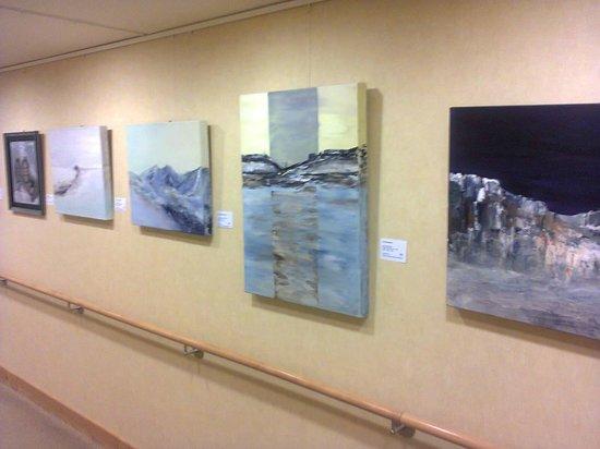 GDA Wohnstift Neustadt : Corridor with original art