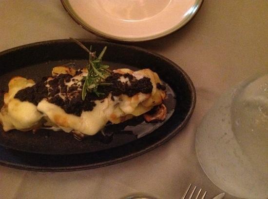 Acqua e Farina : potatoes with tartuto