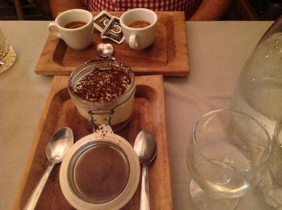 Acqua e Farina : coffee with tiramisu