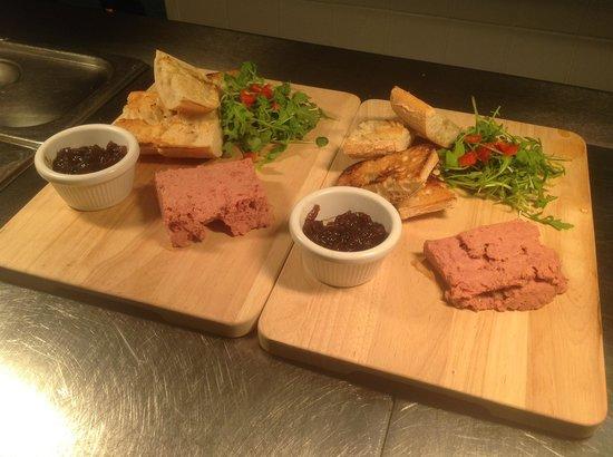 The Bridgend Inn: Pâté and Toast