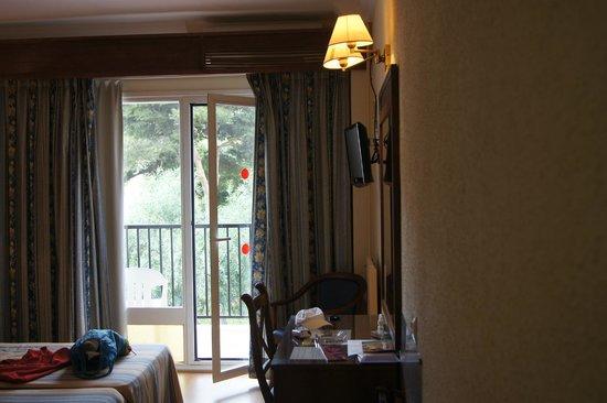 Hotel Monarque Fuengirola Park: номер