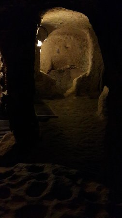 Kaymakli Underground City : How the tunnel looks like..