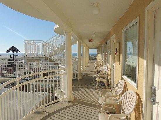 Coliseum Ocean Resort: from front balcony