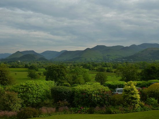Lyzzick Hall Hotel: View across the valley