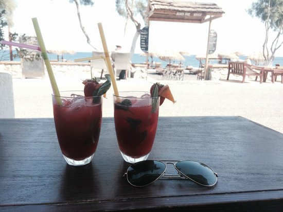 Waves Restaurant Chill Out Bar: Strawberry Mojito