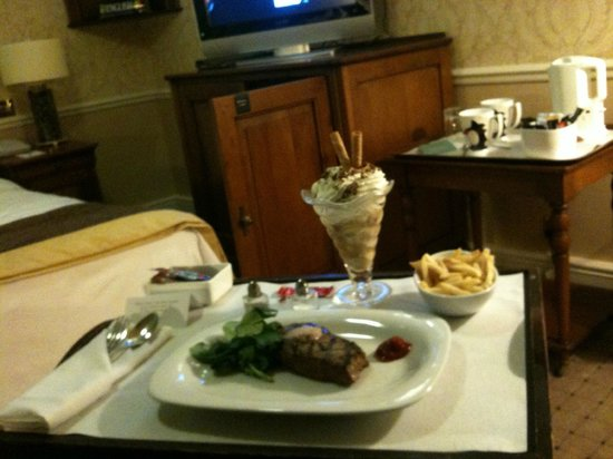 Kettering Park Hotel and Spa: Room Service