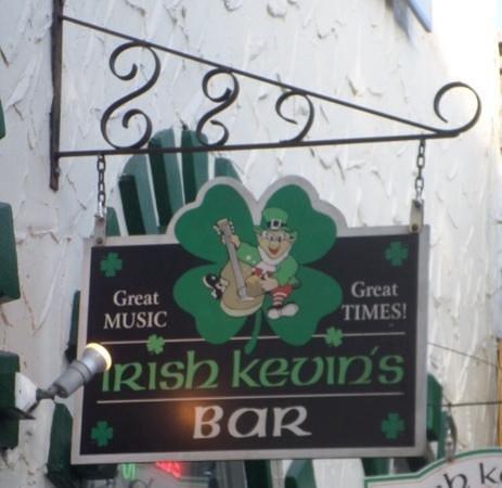 Irish Kevin's Bar : outside sign