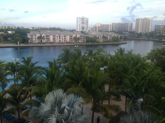 Crowne Plaza Hollywood Beach: View from balcony