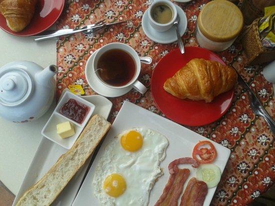 Le Banneton Cafe: Un bon petit-déjeuner à la française !