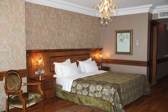 Ferman Hotel: Bed