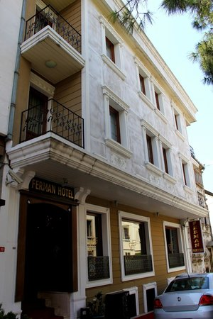 Ferman Hotel: Front of the Hotel