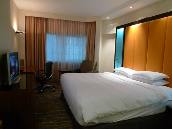 Orchard Hotel Singapore: room