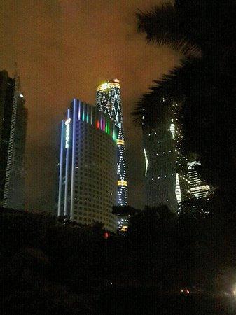 Zhujiang New Town: Night