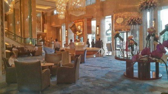 Shangri-La Hotel Guangzhou : Hotel lobby