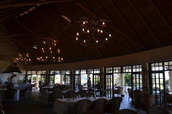 Ilala Lodge : Inside the lodge...