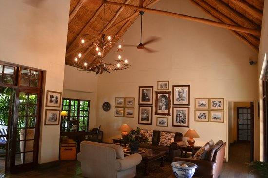 Ilala Lodge: Inside the lodge....