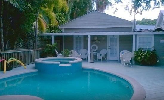 Villas Key West: pool area