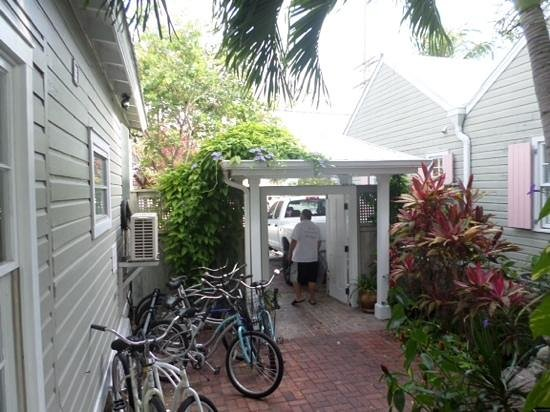 Villas Key West: they rented bikes onsite