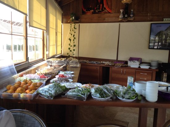 Ozbay Hotel: Love this buffet breakfast with loads of veg!!