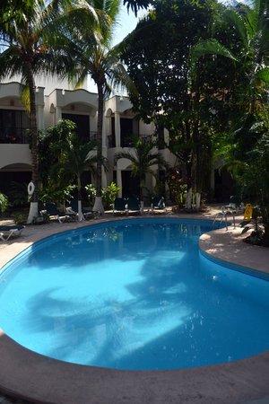 Hacienda Paradise Boutique Hotel by Xperience Hotels: Pileta y desayunador