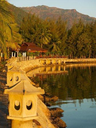 Diamond Bay Resort & Spa: very pretty beach