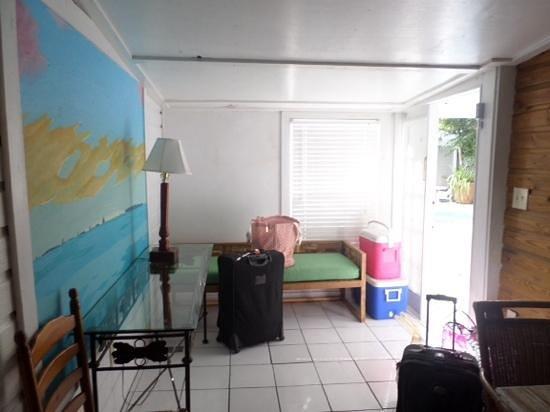 Villas Key West: the front walkway