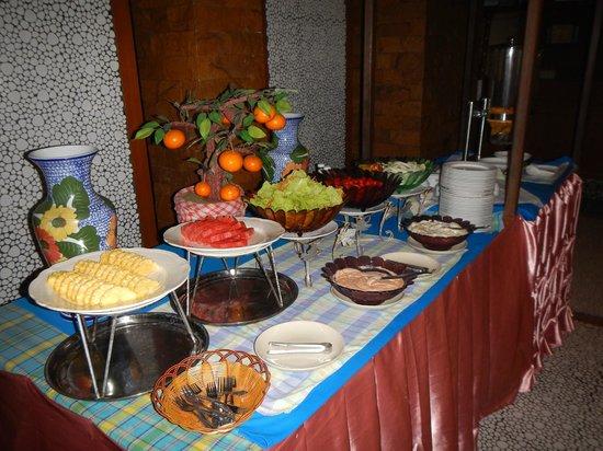 Mac Resort Hotel: One area of many for breakfast buffet