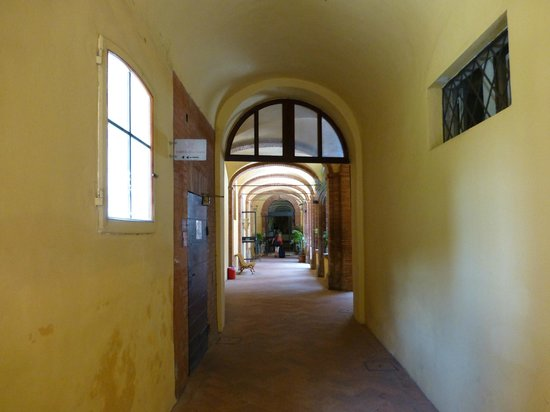 Il Chiostro del Carmine : looking towards reception