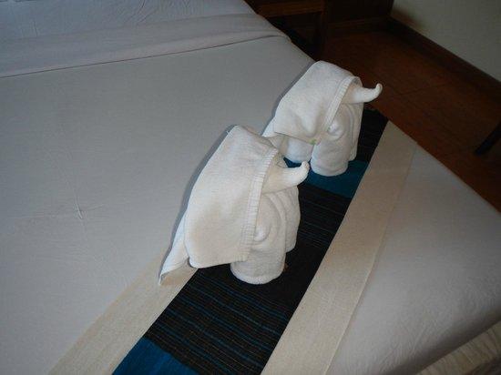 Mac Resort Hotel: Bath towels cutely folded