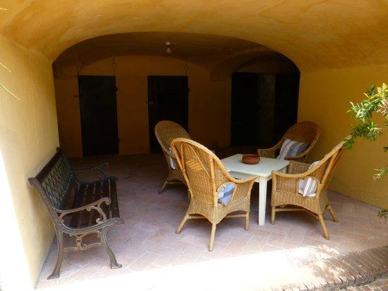 Il Chiostro del Carmine: A quiet table in the shade