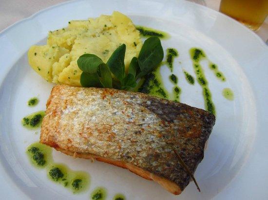 La Locanda del Cantiere: Salmon, mashed potato and parsley sauce