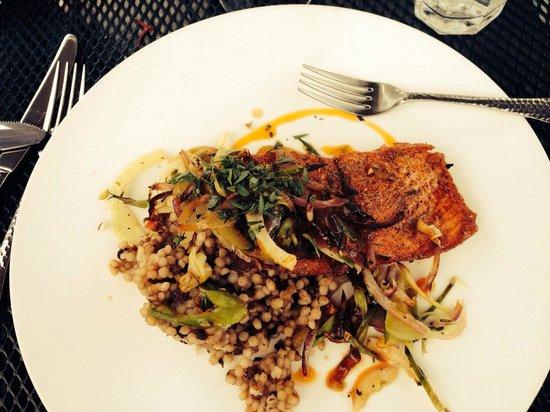 Taverna Tagaris: Columbia River Salmon and cous cous.