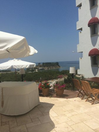 Hotel Carina: Outdoor dining view