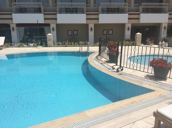 Hotel Carina: Pool
