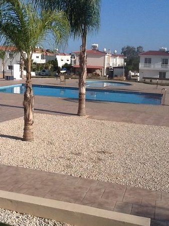 the pool at Nissi 3