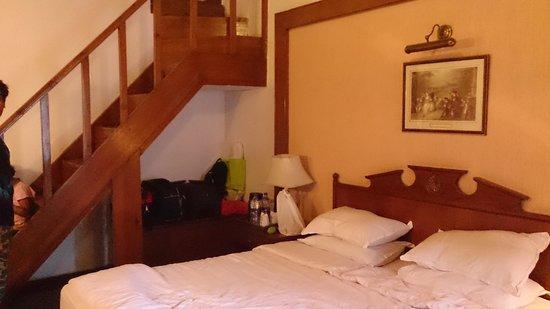 The Naini Retreat: the suite