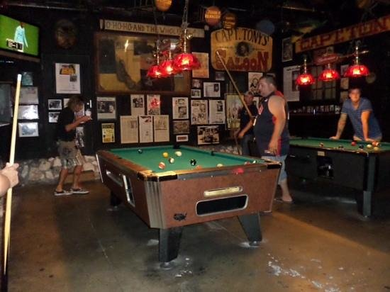 Capt. Tony's Saloon: playing some pool