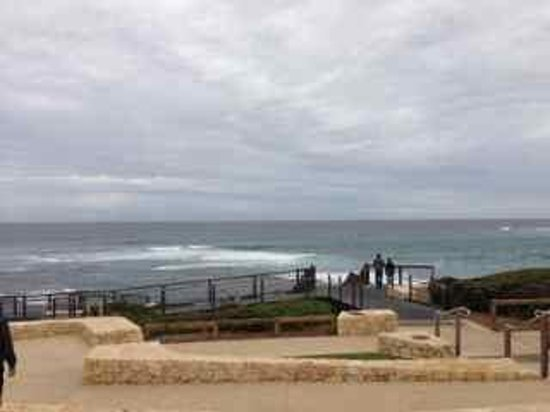 Harvest Tours: The mouth of the Margaret River region is also near a hot surf spot.