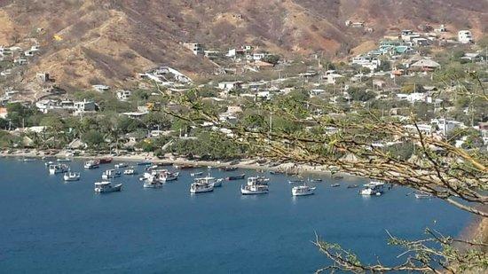 Casa Los Cerros: Vista desde el mirador a la bahía de Taganga