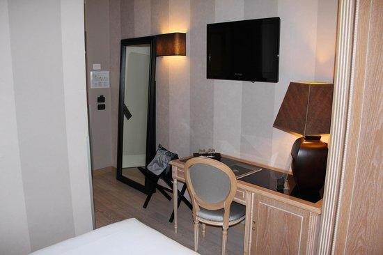 Hotel Ambasciatori: Guest room