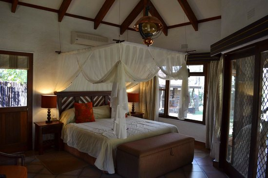 Idube Game Reserve Lodge: Our private cabin