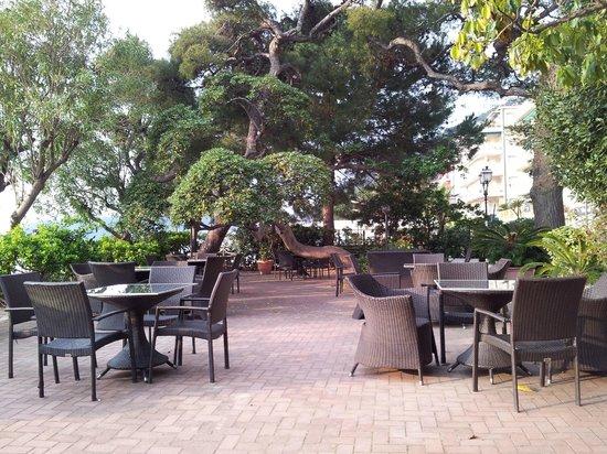 Grand Hotel Mediterranee : DISTESA ESTIVA LUNGOMARE