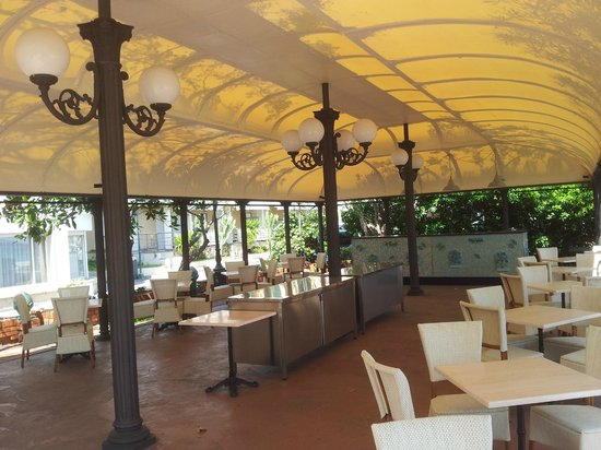 Grand Hotel Mediterranee: DISTESA ESTIVA - LUNGOMARE