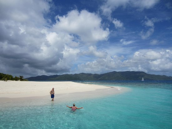 Privateer Charters: Enjoying a private beach!