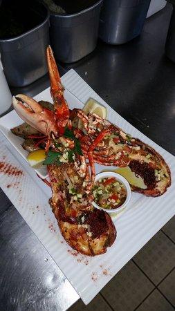 Restaurant le bistrot du port dans le verdon sur mer avec cuisine fran aise - Accompagnement homard grille ...