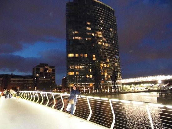 London Marriott Hotel West India Quay : by night