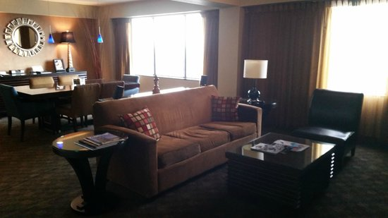 Hyatt Regency Louisville: Living Room